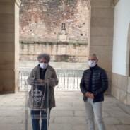 Lazo rojo en el Ayuntamiento de Cáceres